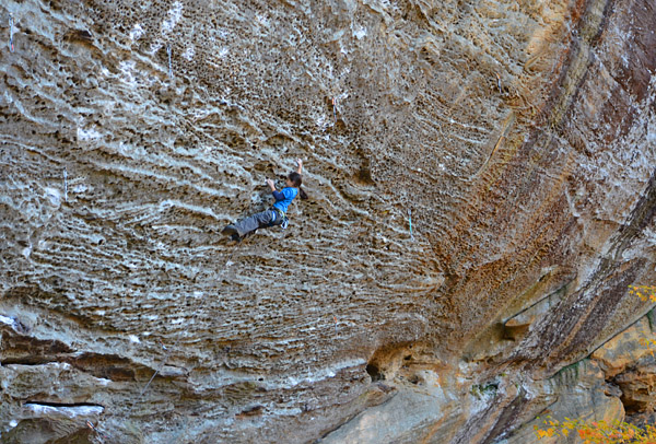 Angie on Swingline (13d), Red River Gorge. Photo: Claudia Lopez.