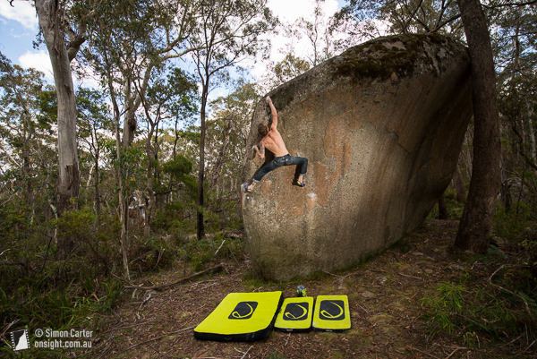 Chris Webb Parsons repeating Zac's Problem V8, in the Black Range, near Canberra.